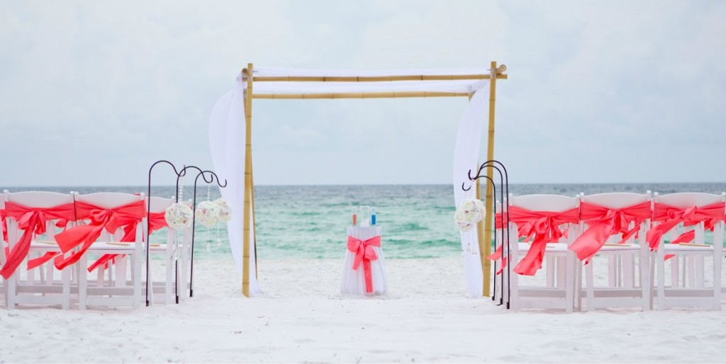 Real Destin Beach Weddings Meagan And Dadrian Destin Beach Weddings In Florida